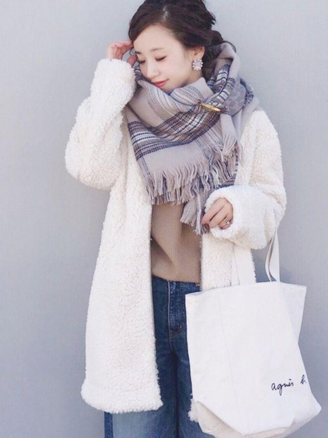 冬は洋服選びも寒さ対策を重視して、防寒メインになってしまいますよね。寒くてもおしゃれに見せたい人におすすめ!気温10℃の日でもおしゃれに防寒対策できるコーディネート例をご紹介します。