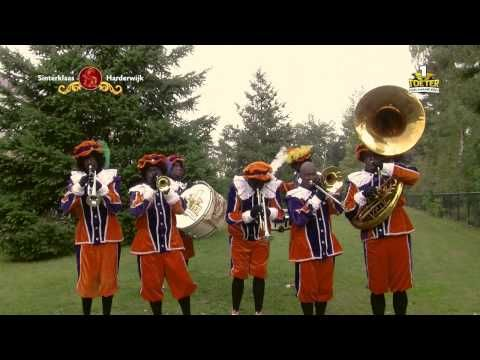 Harderwijk is blij - Pietenband TNM1 - YouTube