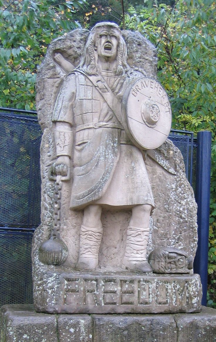 """""""William Wallace""""  Cannot imagine how annoyed I would be if this statue of Gibson, err Wallace, was in my town."""