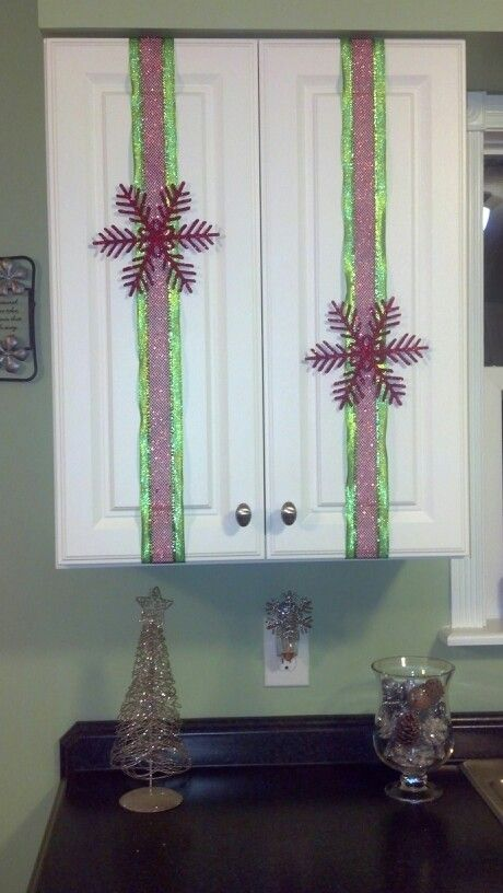 Ribbons on kitchen cabinets! | Christmas | Pinterest