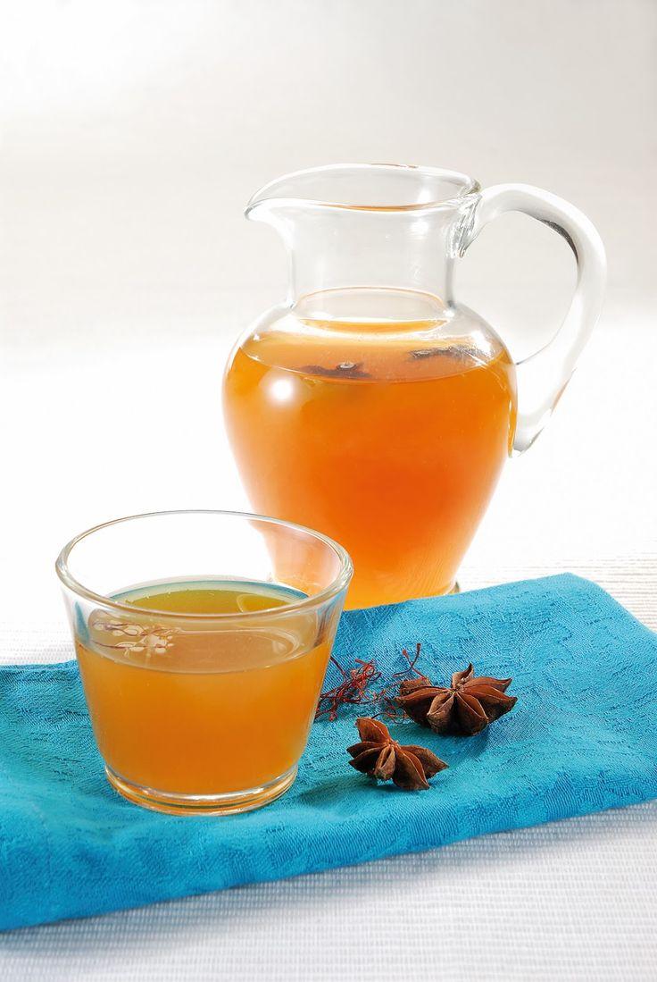 ΕΙΣ ΥΓΕΙΑΝ: Ζελέ από τσάι με σαφράν, μέλι, λεμόνι και αστεροειδή γλυκάνισο