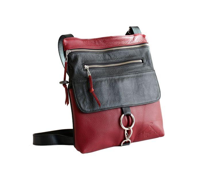 2- Pocket Purse www.indiansummerleather.com #purses #handbags #canada #fashion