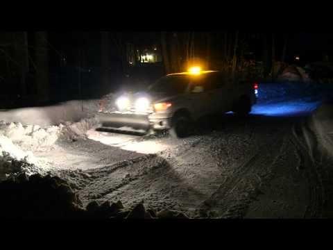 Snow Plowing Toyota Tundra SnowDogg MD80