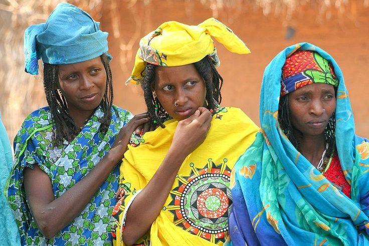 central-african-republic-women-tribal-clothing.jpg (800×534)