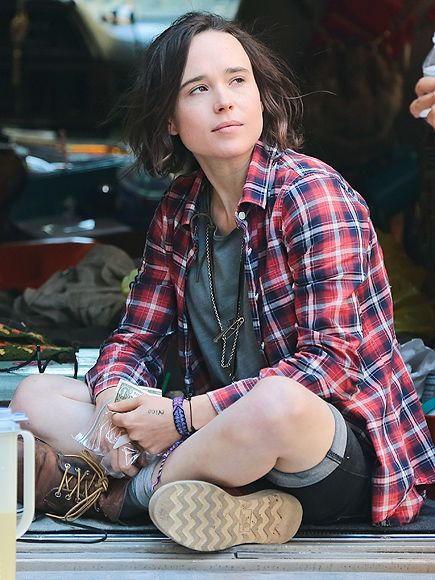 Star Tracks: Thursday, June 18, 2015 | MAKING A SCENE | Dressed in plaid, Ellen Page shoots a scene for her new movie Tallulah in New York City on Wednesday.