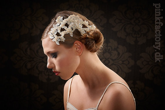 Such a fantastic hair piece - simple with a huge effect