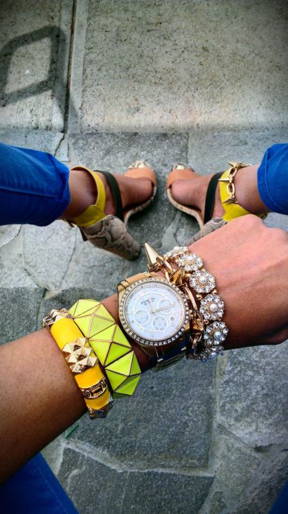 Perfect accessories & color combo!!! oh and those Zara shoes with the spiked ankle bracelet:)