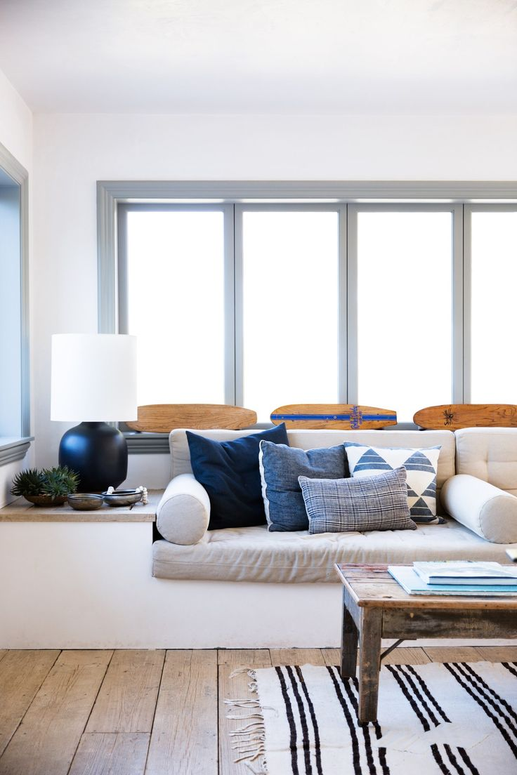 Interior designer Vanessa Alexander's  Point Dume, Malibu, home from the book Surf Shack: Laid-Back Living by the Water by Nina Freudenberger and Heather Summerville