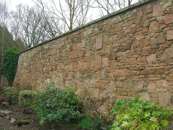 File:Eglinton Walled garden wall.JPG