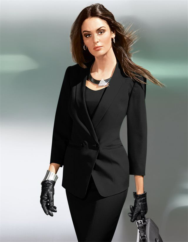 Blazer mit Stehkragen in der Farbe schwarz - im MADELEINE Mode Onlineshop