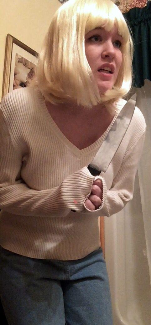 My Drew Barrymore Scream costume - pretty sure I nailed it