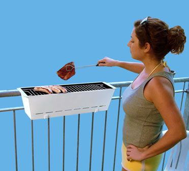 Is your balcony too tiny for a full-fledged grill? How about this baby, a tiny little grill that hooks over balcony railing like a flower box. Called The Bruce Grill by Henrik Drecker, awesome for an apartment w/ small balcony!!