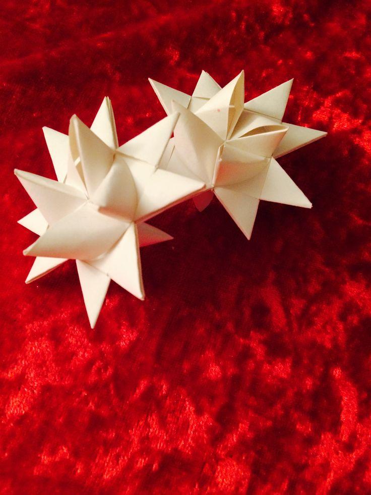 Dette er en enkel jule pynt å lage hvis du vil lære lage trykk på linken her➡️https://m.youtube.com/watch?v=m1zfdeXBN80