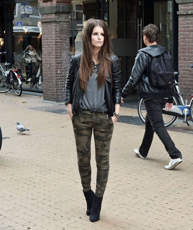 street style, military skinny jeans, leather jacket, grey tee ( winter )