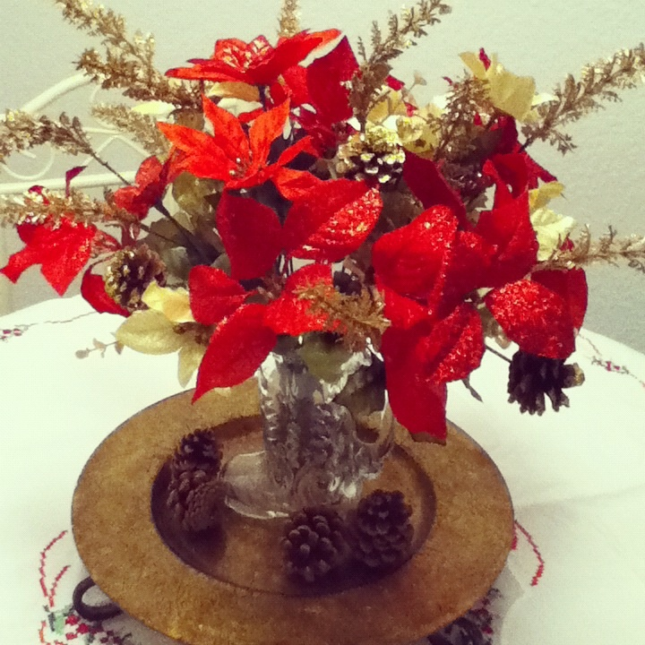 Cowboy Christmas Decor: Centerpiece For My Table! Used A Glass Cowboy Boot For The