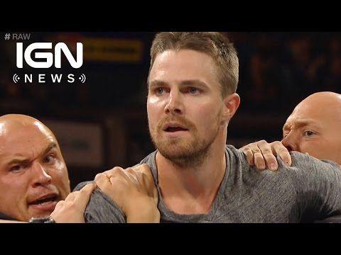 It's Arrow's Stephen Amell vs Stardust at WWE SummerSlam - IGN News - YouTube