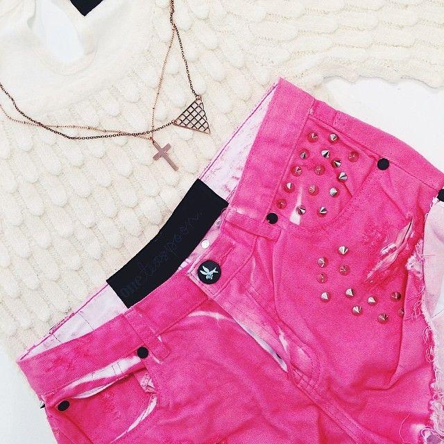 Sommaraktiviteter kräver ett par färgglada Oneteaspoon shorts eller hur?!  massor av nya vårnyheter i butiken, varmt välkomna!  (på/i Hans...