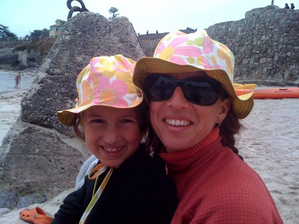 Free sunhat pattern for both kid and adult sizes (uses only one pattern piece)