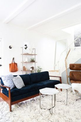 that cozy rug + those furnishings...