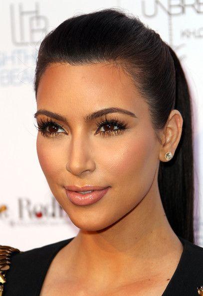 Kim Kardashians Simple But Glamourous Make-up... Do you <3 Long Eyelashes And Nude Lips?  Boohoo.com