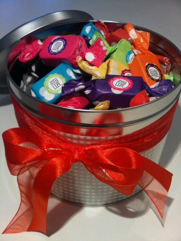 Stunning personalised tin for a happy customer. www.anna-lize.co.za