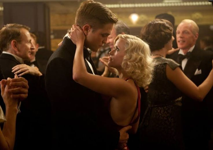 Reese Witherspoon has a retro hairstyle in 'Water for Elephants' (2011)
