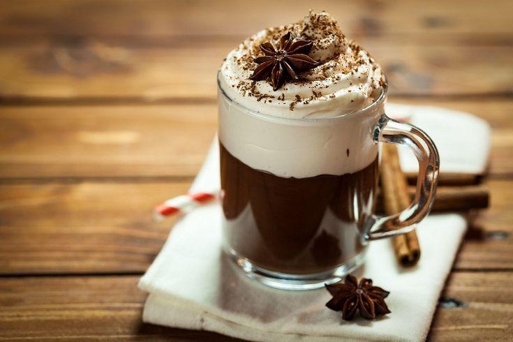 La cioccolata calda è la bevanda ideale da gustare nelle fredde giornate invernali, da bere da soli o in compagnia, liscia o con panna montata per renderla...