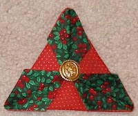 Best 25+ Folded fabric ornaments ideas on Pinterest | Fabric ...
