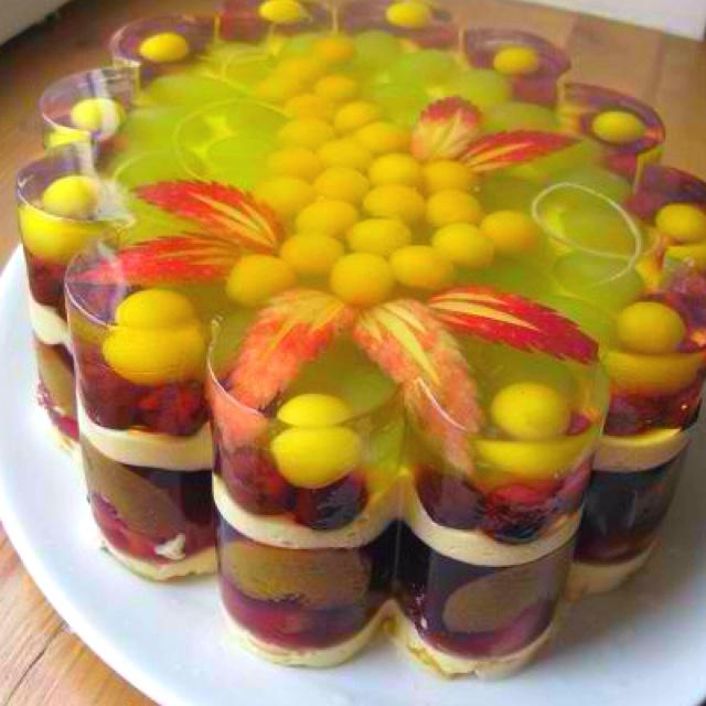 Jello cake amazing with fruits