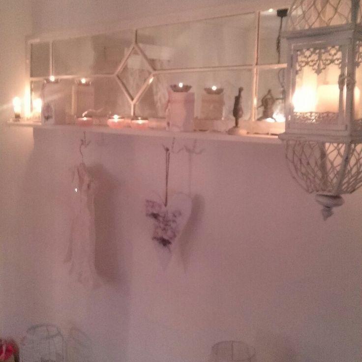 DIY. Fönster. Spegel. Mirror. Pink. Rosa. Romantisk inredning. Romantic