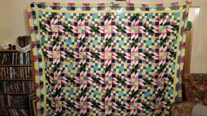 My finished GIMQ top. Thank you  Bonnie  I have  thoroughly  enjoyed  this challenge.  My first pieced  border.