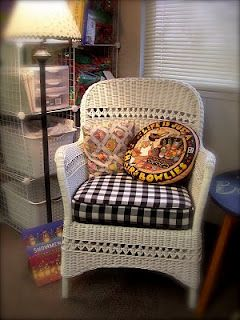 Mary Engelbreit inspired reading chair from #SweetBeeCottage #Wicker