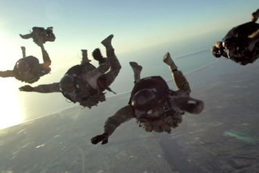 US Navy SEALS HALO Jump (high altitude - low observation)