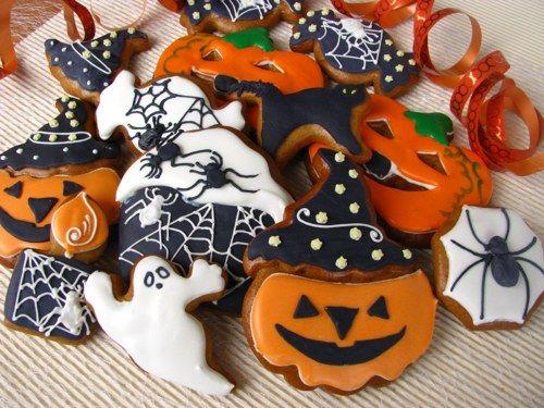 Halloween+Variace+hlavní:+Velká+barevná+veselá+sada+k+Halloweenu+-+16+kusů.+Bez+jakéhokoliv+balení.+(Dále+ještě+tři+variace+-+pokud+chcete+sestavit+svou+vlastní+variaci,+napište+mi+na+email,+domluvíme+se.)+V+sadě+variace+hlavní+najdete+dvě+velké+dýně+(jedna+je+s+kloboukem+a+jedna+bez),+dva+cupcakeky+s+pavoučky,+dva+bonbonky+s+pavoučky+(jeden+černý,+jeden+bílý),...