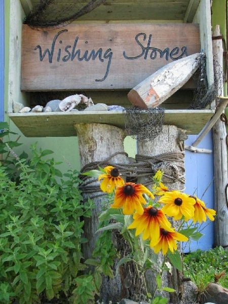 A great little gallery/gift shop on the Island  http://freepages.history.rootsweb.ancestry.com/~tancook/