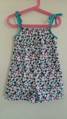 Petite tenue hyper sympa pour l'été, voici le combishort ! Après avoir fouiner sur internet, j'ai trouvé ce tuto gratuit (2 au 11...