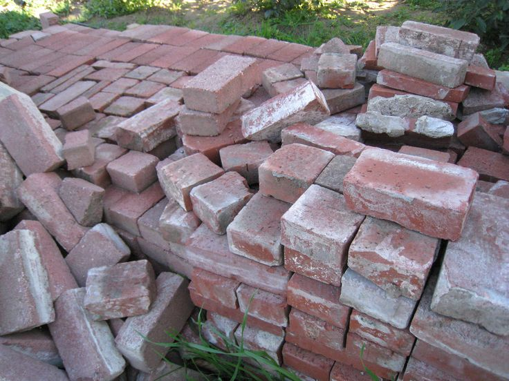 Australian Recyclers is largest second hand bricks, recycled bricks Sydney, 2nd hand bricks Sydney & used bricks suppliers & sale in Sydney and sandstone for paving, used bricks, building homes and rendering in Sydney NSW.