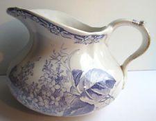 """Broc de toilette """"Joufflu"""" couleur lilas vers1900, Creil Montereau: modèle LILAS"""