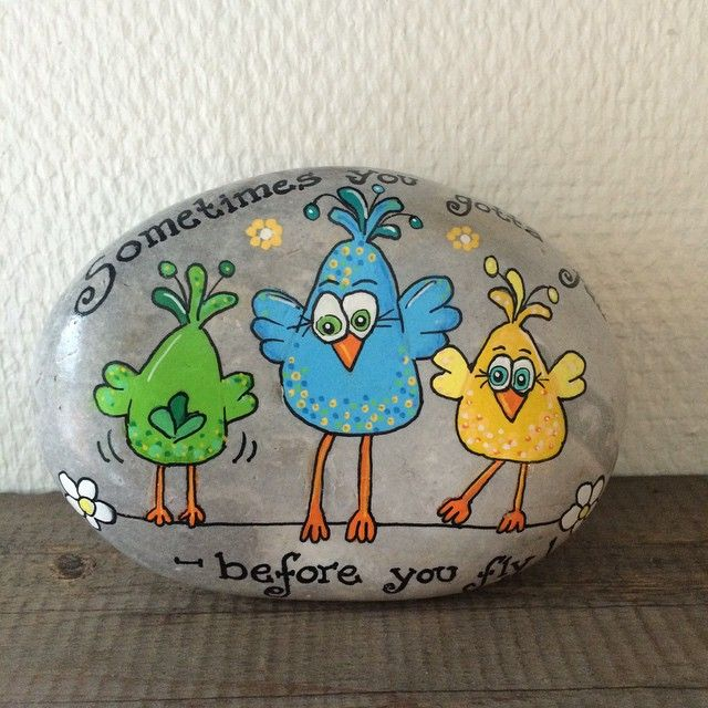 """Sometimes you gotta fail, before you fly"" Besøg min Facebook side Stonepainting By Mie Steen#fugle #birds #fly #rocks #rockdrawing #paint #posca #poscapens #paintedrocks #paintedstones #poscapaintpens #artwork #art #artstones #sjov #stones #stoneart #stonedeco #stonedrawing #stonepainting #stenfrastranden #kreativitet #handemade #miesteen #minesten #maledesten"