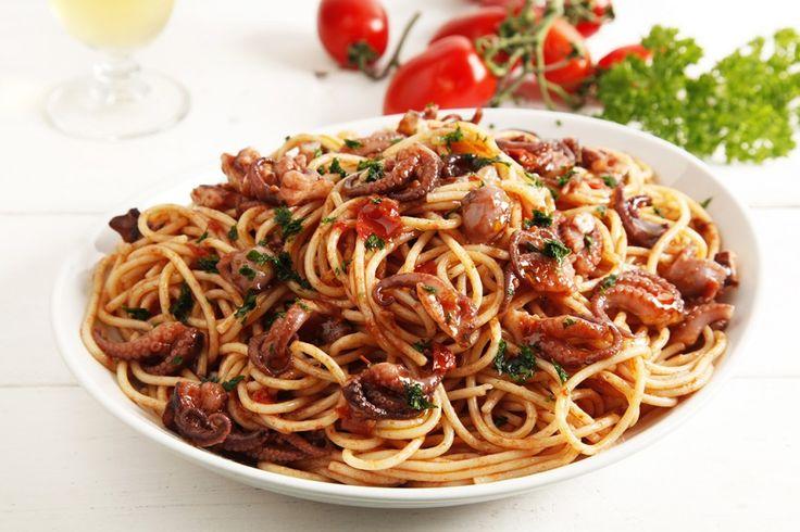 spaghetti al sugo di polpo ricetta