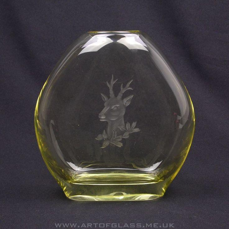 Zelezny Brod Sklo citrine yellow stag engraved glass vase