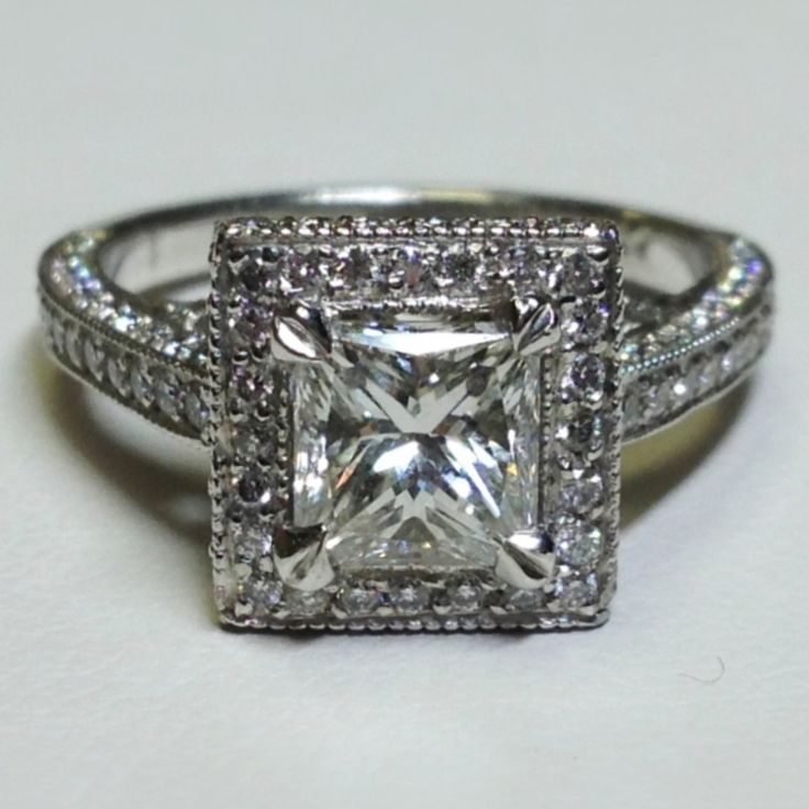 Signature Collection 0.77 cts tw Pave Ring in Platinum w/Princess Cut 1.12 CT H/VS2