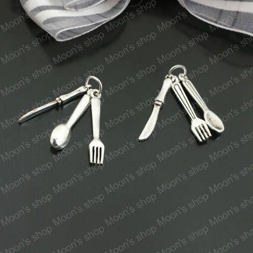 Aliexpress.com: Comprar Venta al por mayor altura 28 mm de plata antiguo cuchillo tenedor y cuchara de aleación de joyería de los colgantes Diy 20 unidades ( JM121 ) de el nombre de colgante fiable proveedores en dbao liu's store(Min Order is $5)