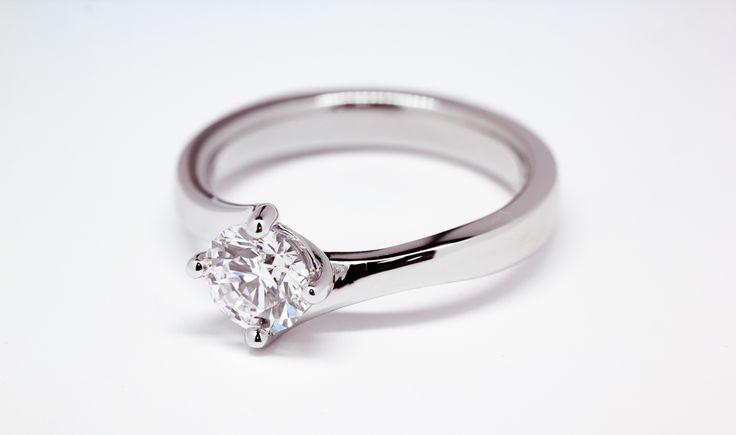 Ashberry bespoke diamond twist ring.