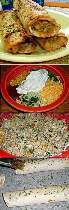 ХРУСТЯЩИЕ КУРИНЫЕ РОЛЛЫ.  Ингредиенты:  · лаваш тонкий  · отварное куриное филе  · кукуруза  · сыр  · капустный салат  · зеленый лук  · сметана и томатный соус  · специи    Приготовление:  Смешать все ингредиенты, приправить.  Затем добавить измельченную курицу и также тщательно перемешать.  Завернуть начинку в лаваш, скрутить рулетом и смазать яйцом и специями.  Запекать при средней температуре до румяности роллов.    Приятного аппетита:)