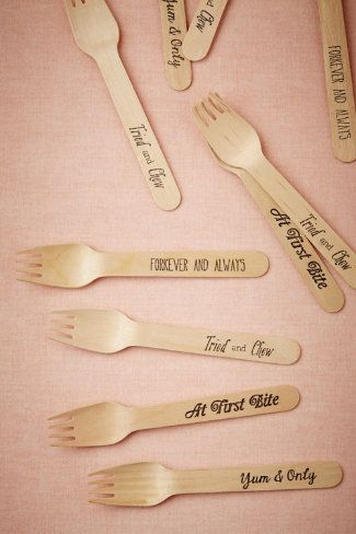 These punny forks were made for the foodie in love! Crafted of birch and handprinted in Sucre Shop's studio, these sweet utensils include fi...