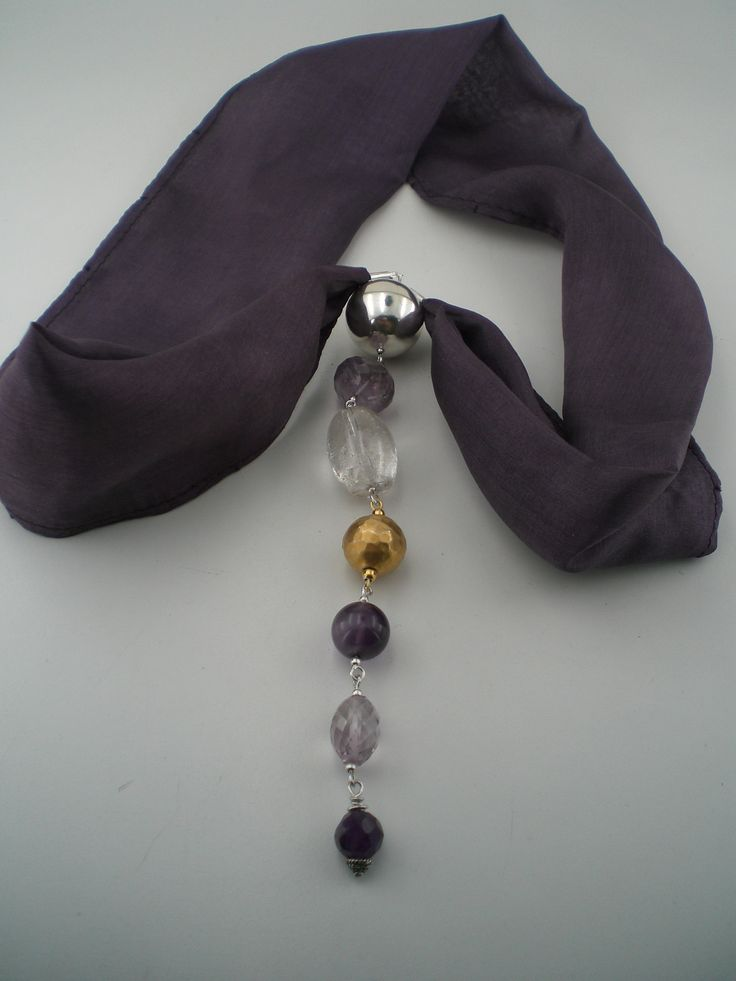 An elegant Necklace with silk