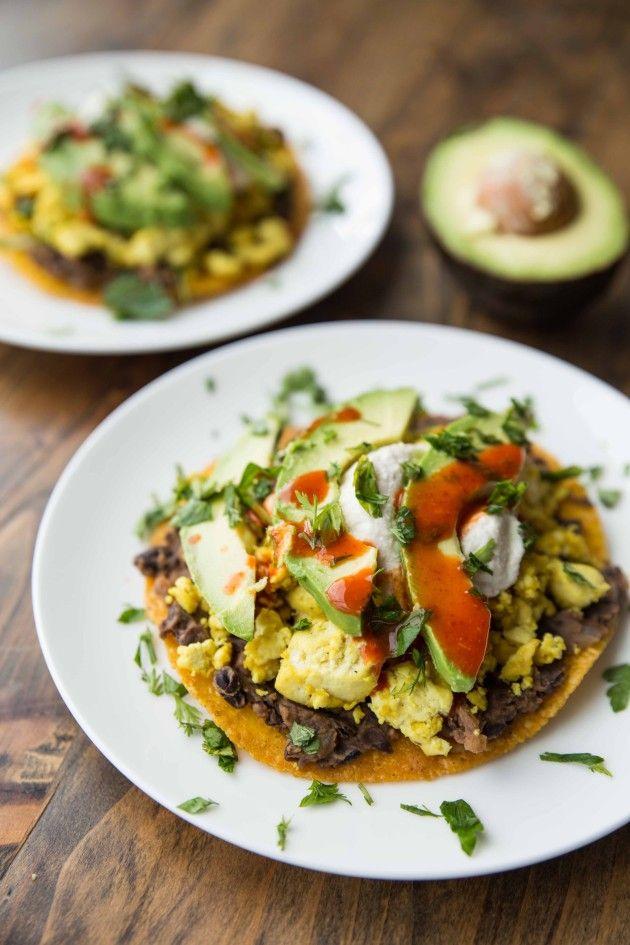 Tofu Breakfast Tostadas - spiced black beans and seasoned tofu on top of a crisp baked tortilla!| healthy recipe ideas @xhealthyrecipex |
