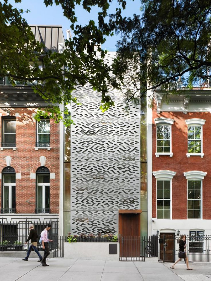 This Townhouse Is Located On East Street In New York City, A Street With  Three And Four Storey Historical Buildings. The 2009 Renovation Project Sq  Ft) Was ...