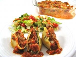 """Yummy for """"Meatless Mondays,"""" Skinny Italian Stuffed Shells. You'll never miss the meat in this dreamy, cheesy dish. Each serving has 273 calories, 5 grams of fat and 7 Weight Watchers POINTS PLUS. http://www.skinnykitchen.com/recipes/skinny-italian-stuffed-shells-a-vegetarian-delight/"""
